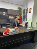 杨贝贝主任律师在办公室