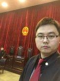 蚌埠律师杨贝贝在庭审现场照